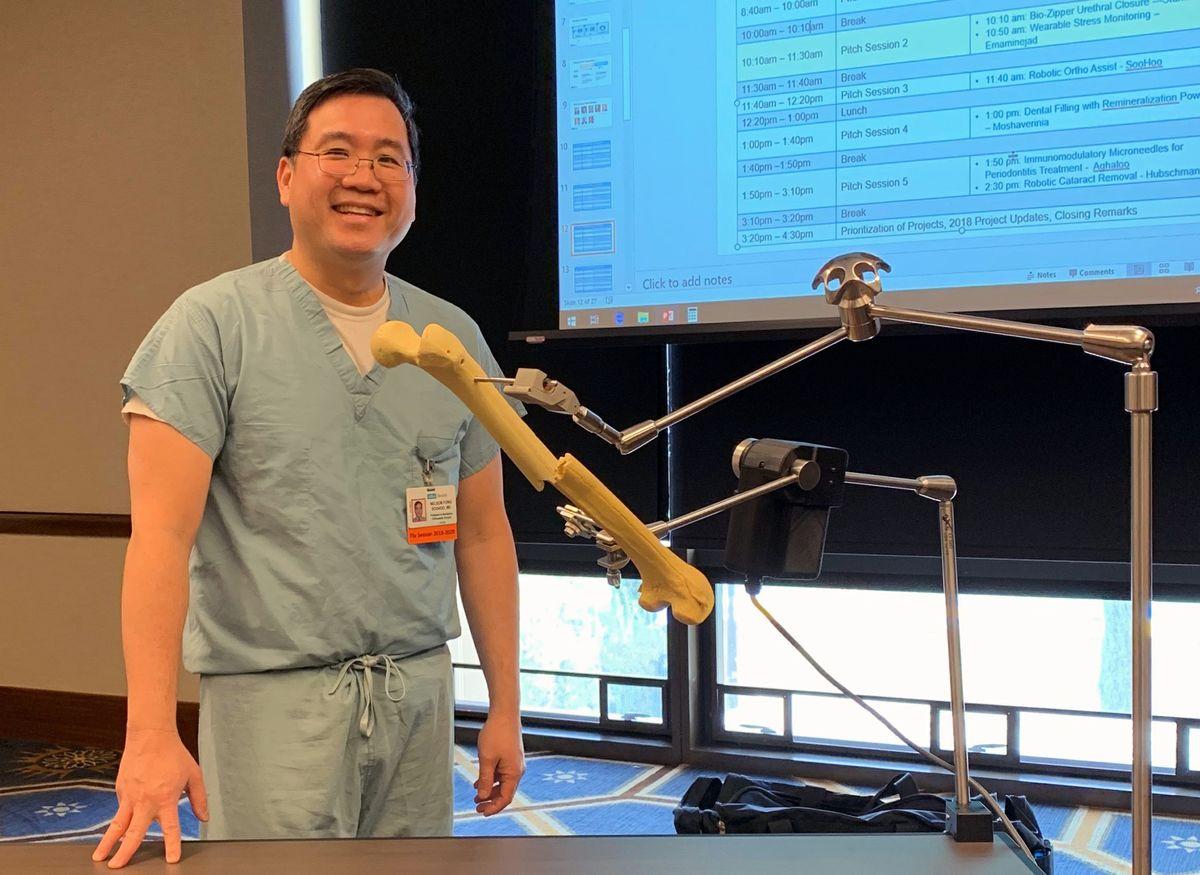 Dr. Nelson Soohoo