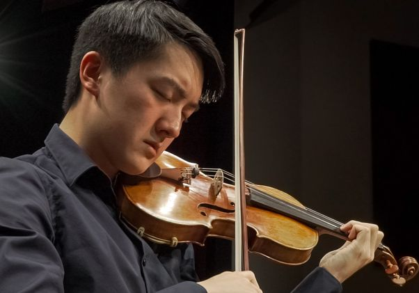 Click to open the large image: Elvin Hsieh with Stradivarius