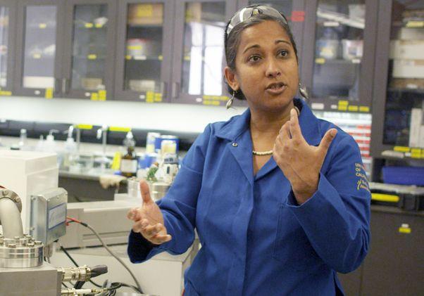 Aradhna Tripati in lab