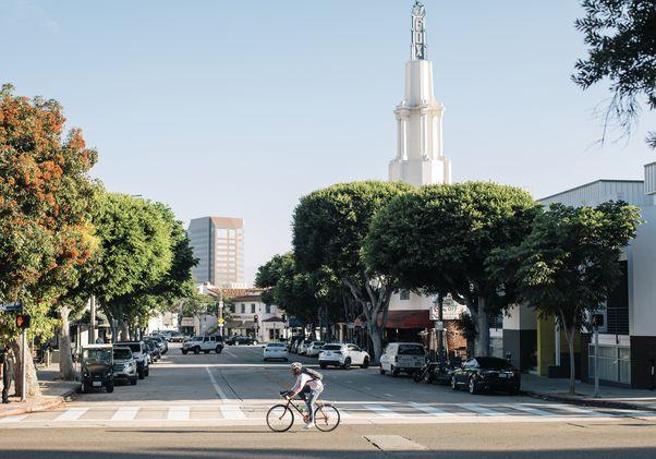 UCLA bike lane