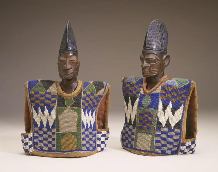 Twin memorial figures