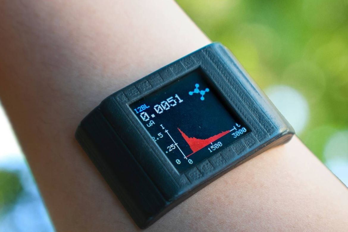 Biomedical smartwatch
