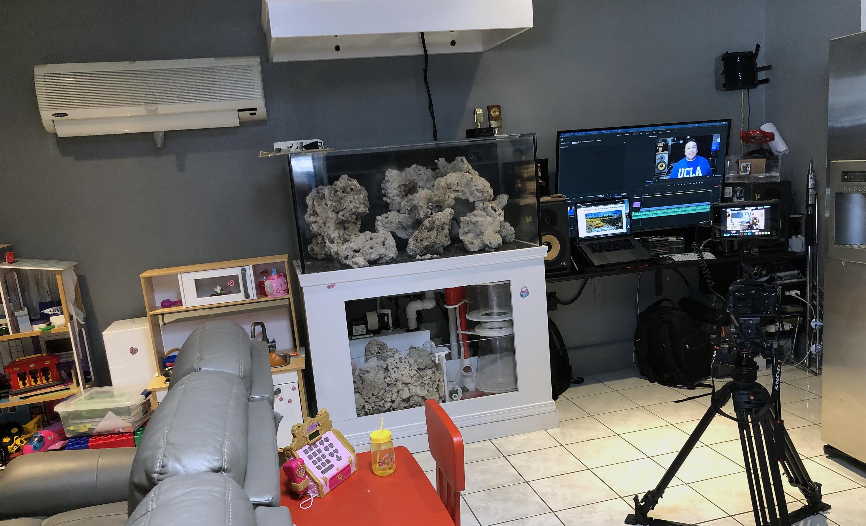 Gustavo Tepetla's living room production studio