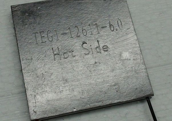 Thermoelectic device