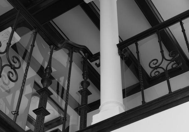 Column a home in Bel Air