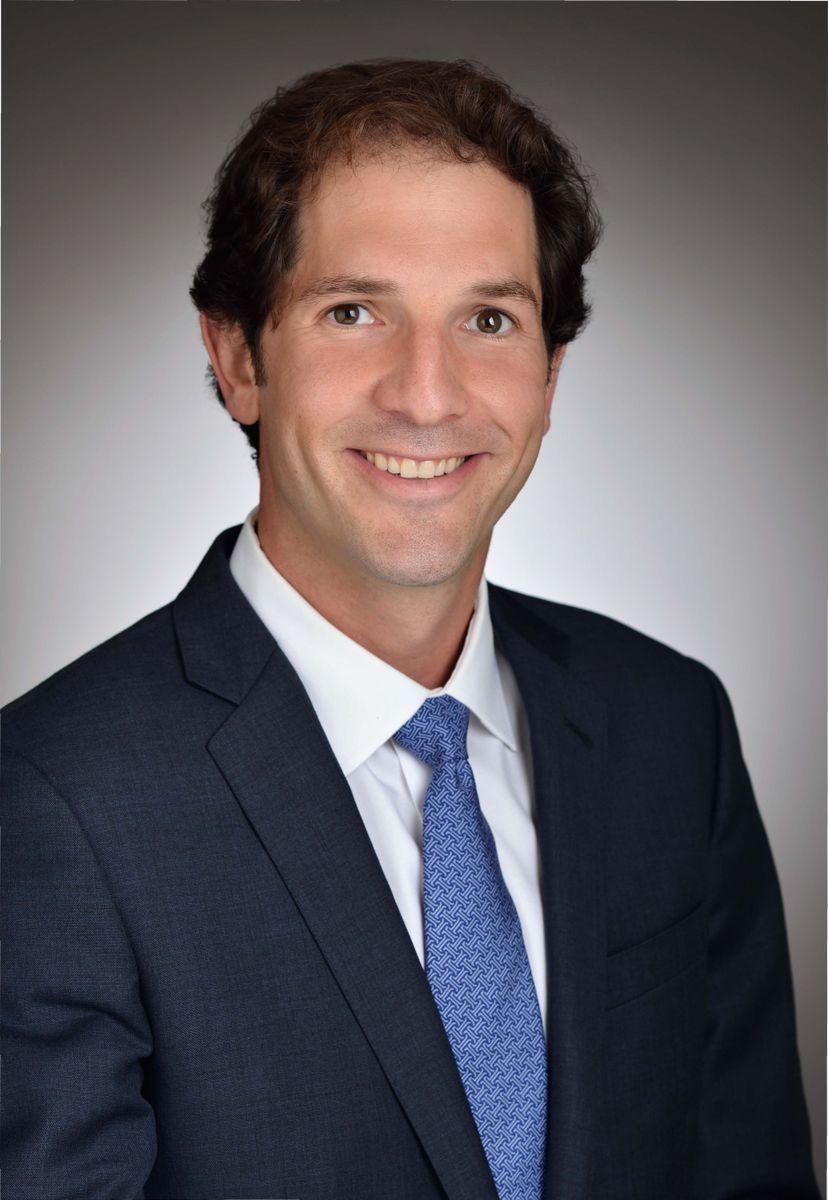 Dr. Nicholas Bernthal
