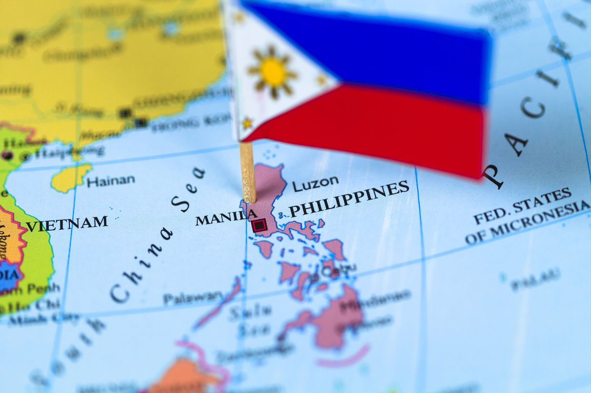 Pilipino flag and map