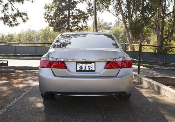 Bruin car plate