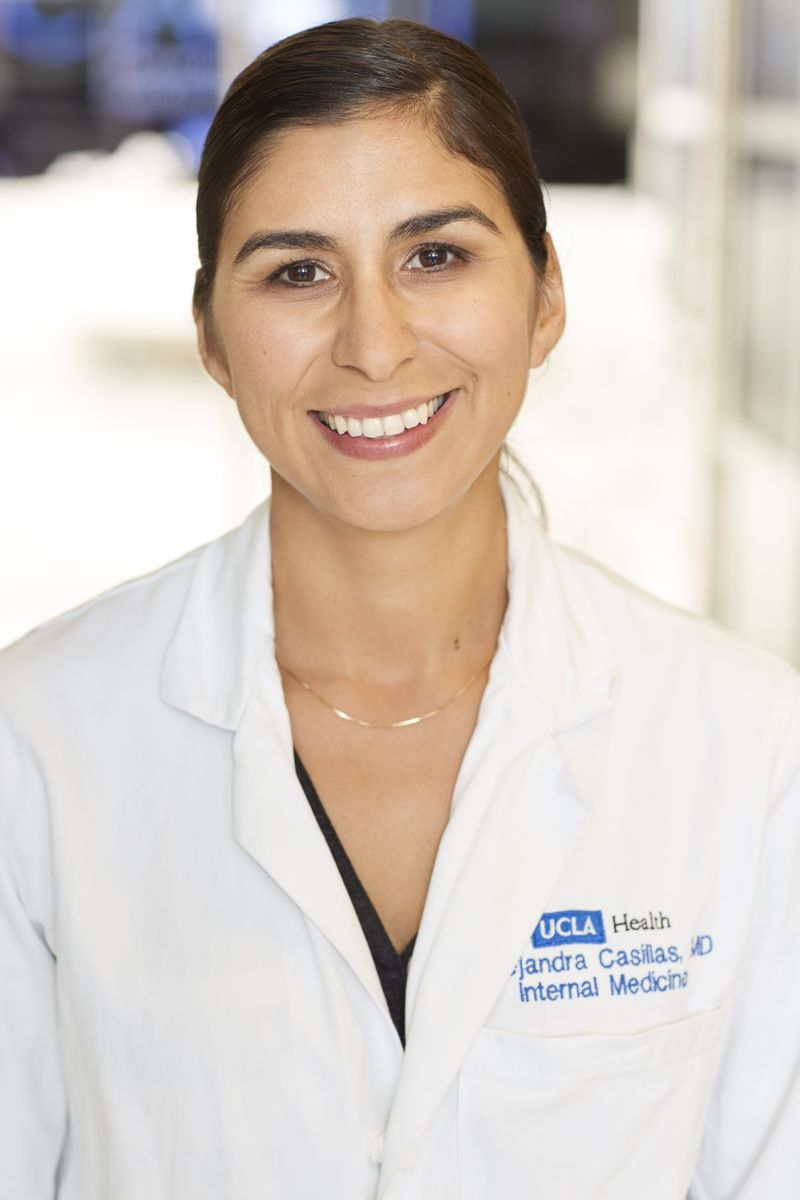 Dr. Alejandra Casillas