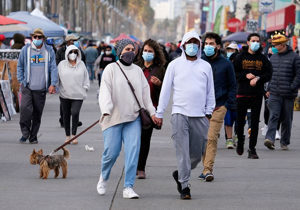 Venice Beach crowd with face coverings