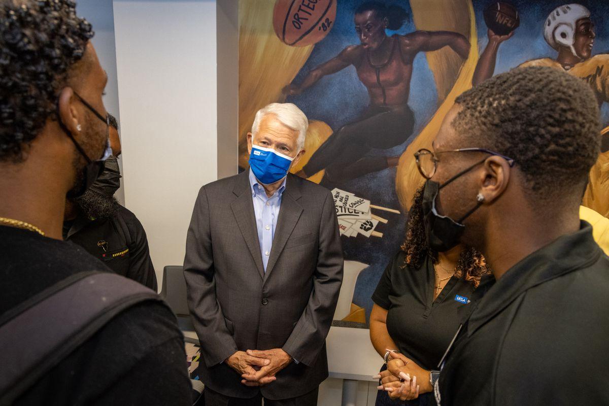 Black Bruin Resource Center students and Chancellor Gene Block