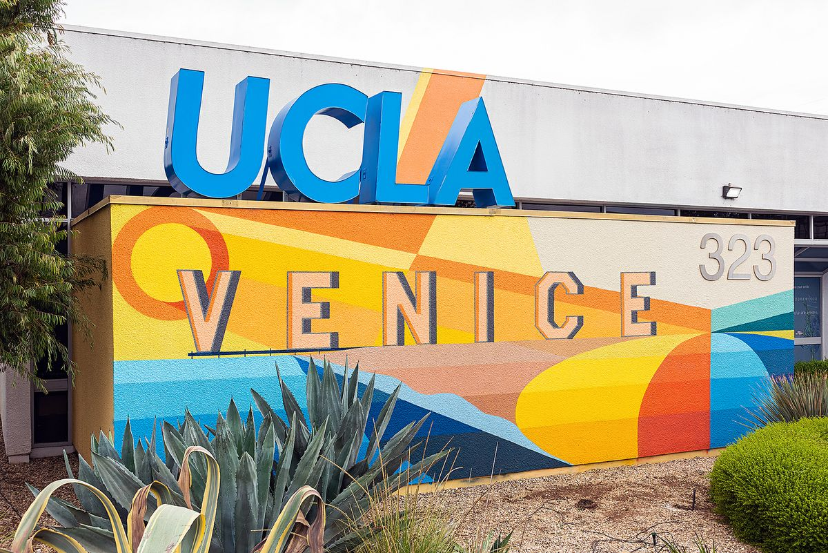 UCLA Venice dental clinic mural