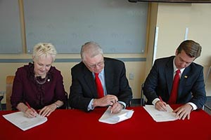 Rosemont Realty Partners with UNM, NMSU to Invest in Future