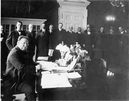 President William H. Taft signs the document on Jan. 6, 1912 admitting New Mexico as the 47th state in the union.