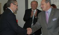 UNM, Mexican Consulate Sign Education MOU