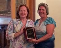 Kathy McKinstry receives Jim Davis Staff Council Award