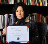 Nocentelli wins Roland H. Bainton Prize in Literature