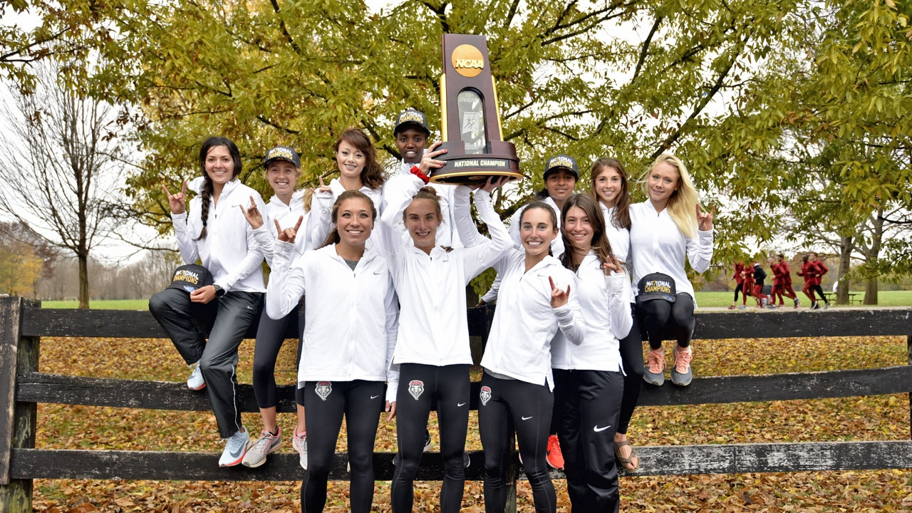 UNM women's cross country team wins 2017 NCAA Title