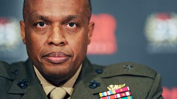 Defense Intelligence Agency director presents talk at UNM