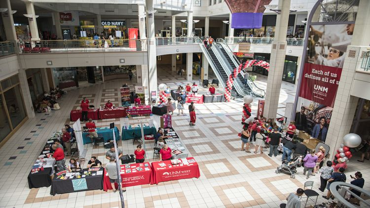 Lobo Day at Cottonwood Mall