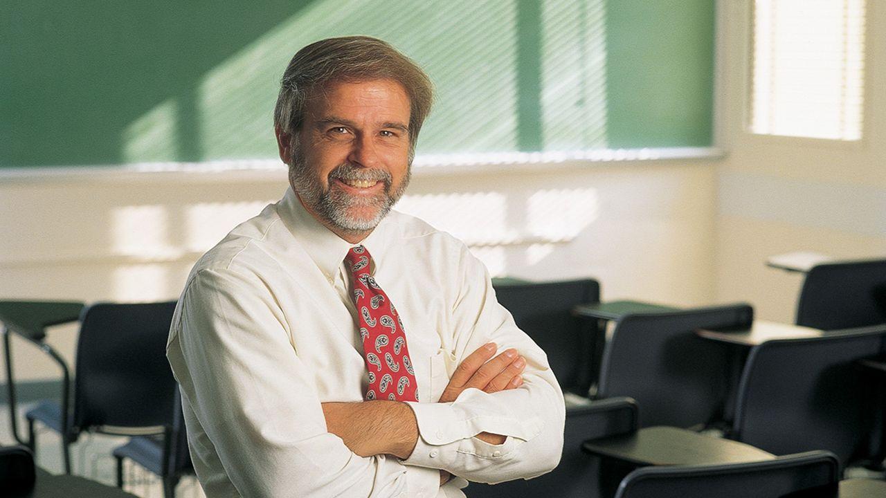 UNM Alumnus returns with new education study