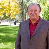 UNM Vice President for Student Affairs Eliseo Torres receives national recognition from HACU