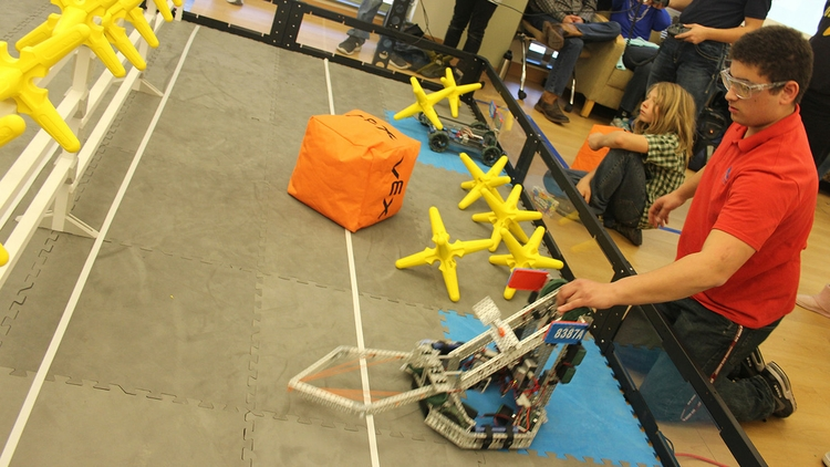 VEX Robotics Competition coming to UNM: UNM Newsroom