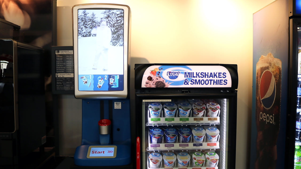 F'real milkshake and smoothie machine
