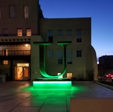 """U"" statue turned green for Irish Consulate"
