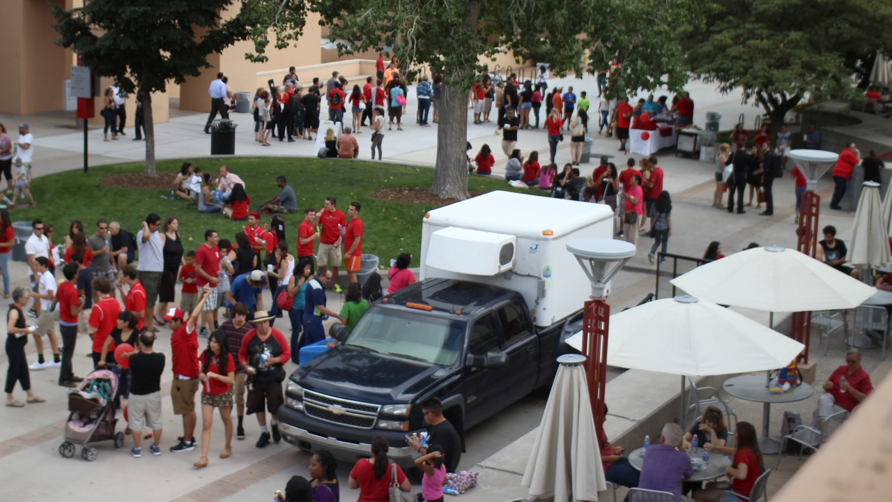 UNM hosts Freshman Family Day