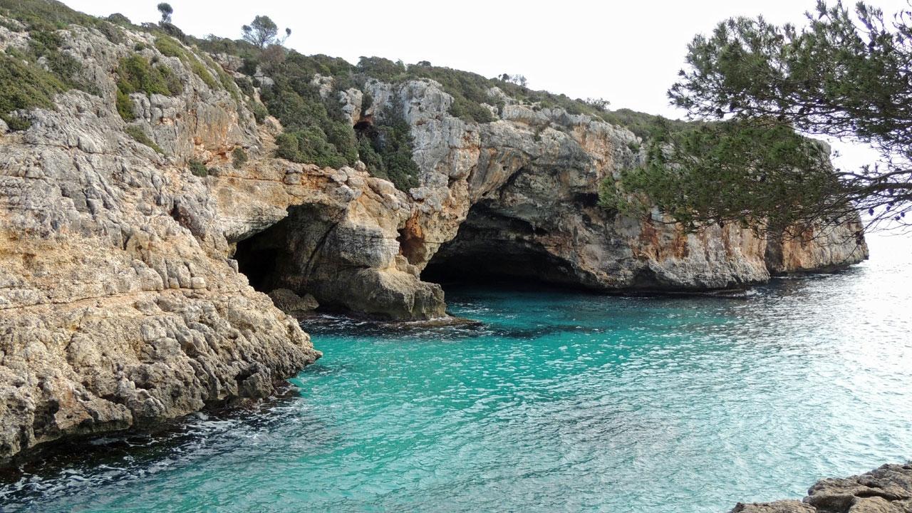 Mallorca cave entrance