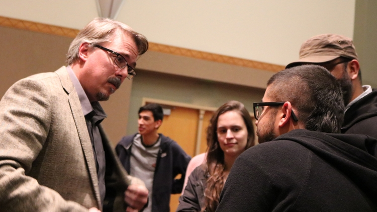 Vince Gilligan and UNM students
