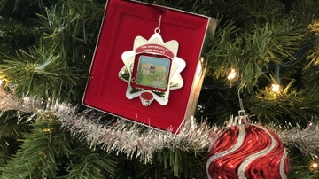 2019 UNM collectible holiday ornament released