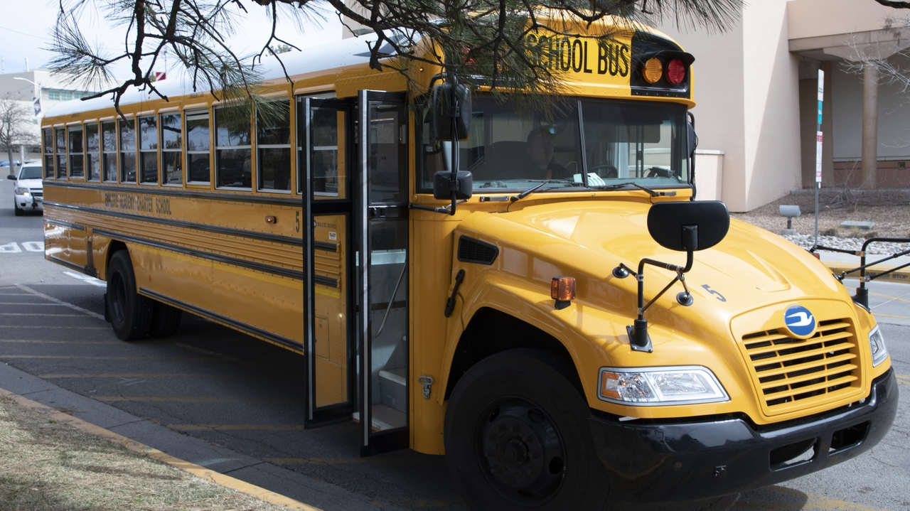 UNM-sponsored bus brings high schoolers to campus