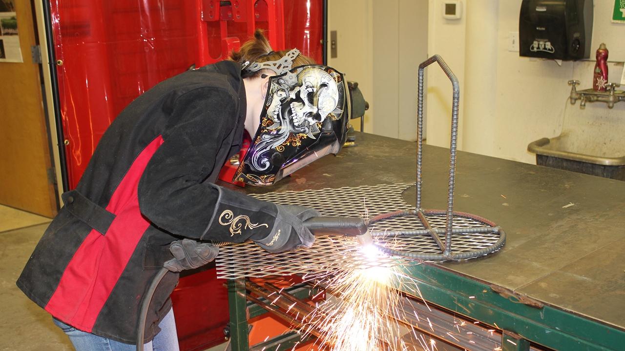 UNM-LA welding class