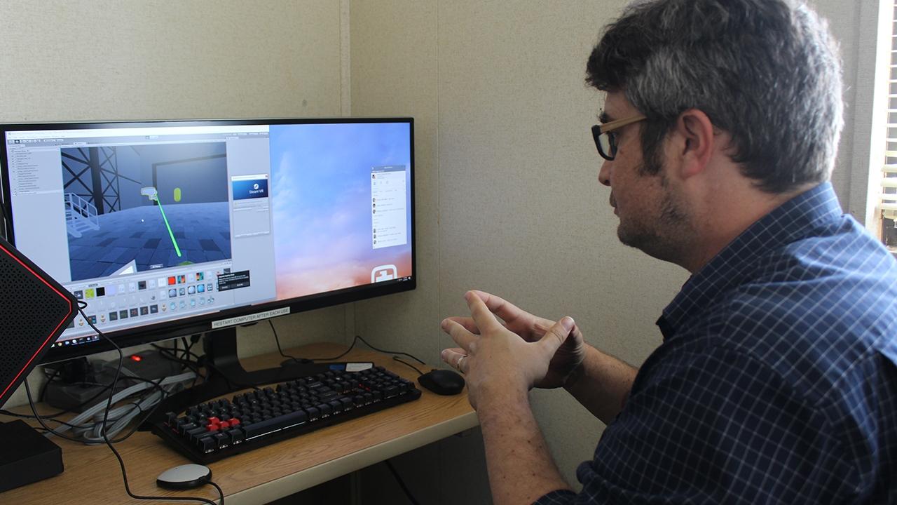 UNM intern at Sandia National Laboratories