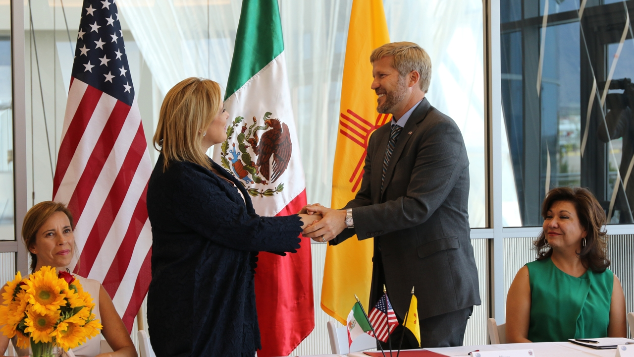 Mayor Galván and Mayor Keller