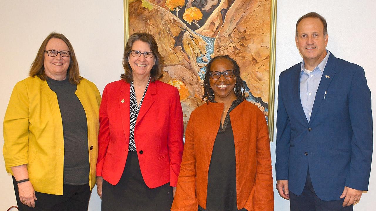UNM vice Presidents visit Los Alamos branch