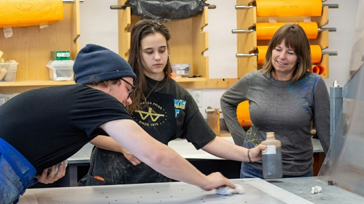 Opportunity for New Mexico artists to experience lithography at UNM's world-renowned Tamarind Institute