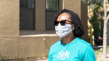 UNM revises policy on mask wearing