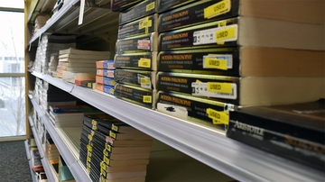 UNM Bookstore textbook rental return procedures