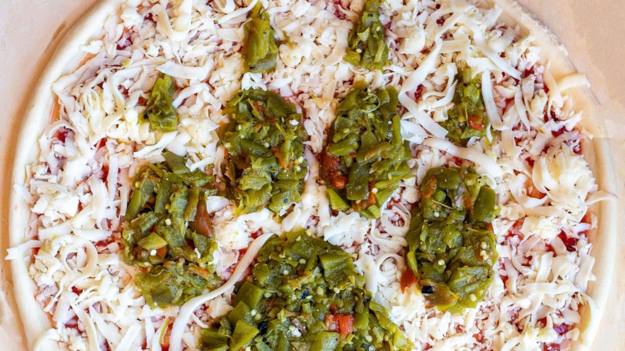 Paw design pizza