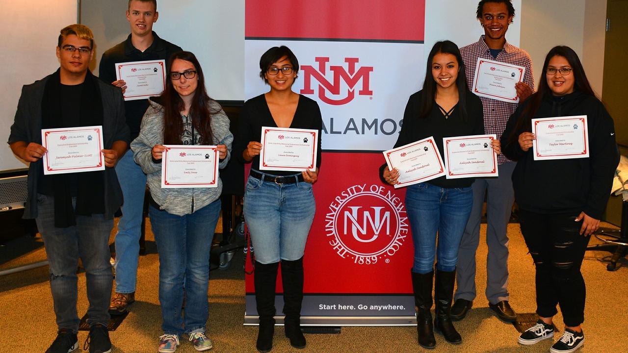 UNM Los Alamos scholars