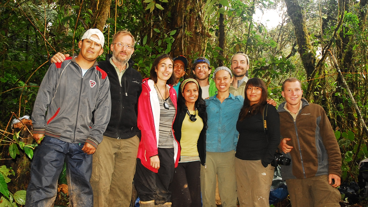 Group photo of a UNM expedition