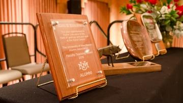 UNM Alumni Association seeks award nominations