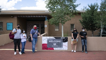 UNM Los Alamos welcomes students, increases hybrid services for fall semester