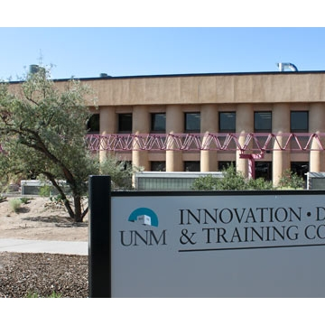 UNM HSC Opens Innovation, Discovery and Training Complex