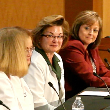 Governor convenes panel of UNM cancer experts
