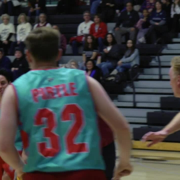 "Annual ""Hoops 4 Hope"" legislative basketball game helps fight cancer"