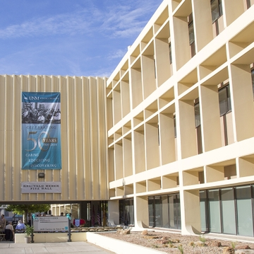 "UNM School of Medicine remains among ""America's Best Graduate Schools"""